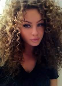 curly hair 30 girls with long curly hair long hairstyles 2016 2017