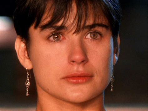 film ghost demi moore sinopsis demi moore ghost love those earrings and seriously how
