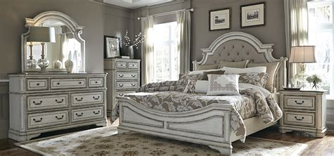 Bedroom Furniture Set Labulledaria Liberty Furniture