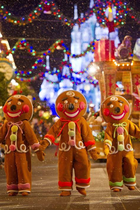 mickeys  merry christmas party   mom maven