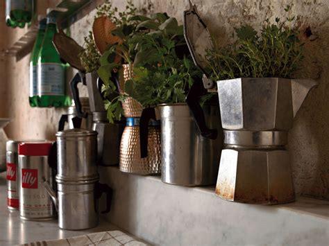 arte arredo borzì riciclo creativo con la caffettiera fotogallery donnaclick