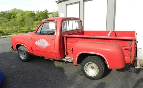 Lil' Red Express: 1978 Dodge Pickup