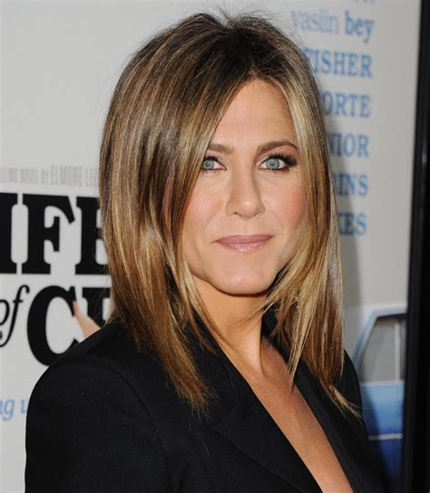 jennifer aniston looking out for directorial debut daily