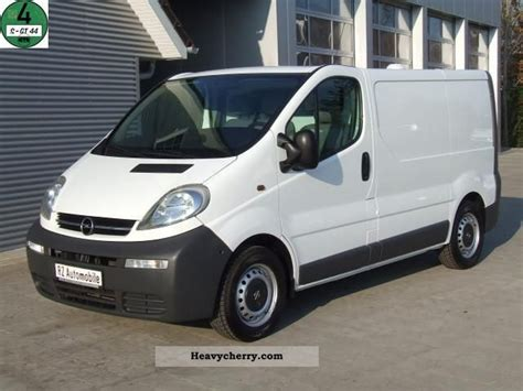 opel vivaro 2005 opel vivaro 1 9 cdti 3 seaters top shelves only 62tkm
