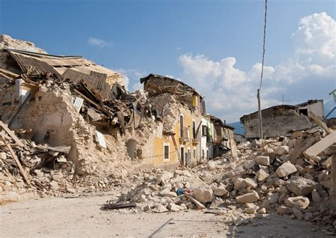 in italia i 10 terremoti pi 249 forti degli ultimi 50 anni in italia