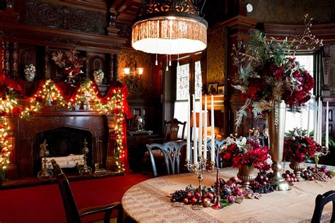 christmas room decoration 21 christmas dining room decorating ideas with festive flair