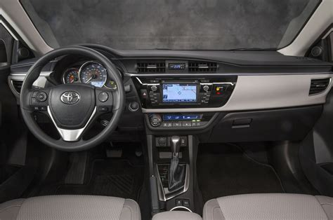 Toyota Corolla 2014 Interior by 2014 Toyota Corolla Look Photo Gallery Motor Trend