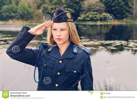 police women hair policy saluto biondo della poliziotta fotografia stock immagine