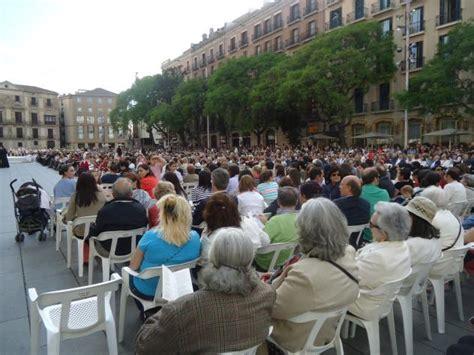 imagenes religiosas barcelona concentraci 243 n religiosa frente a la catedral barcelona
