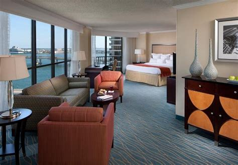 3 bedroom suites in miami marriott biscayne bay cheap vacations packages red tag