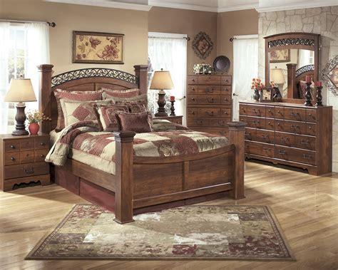 timberline bedroom set timberline warm brown b258 4 pc queen poster bedroom set