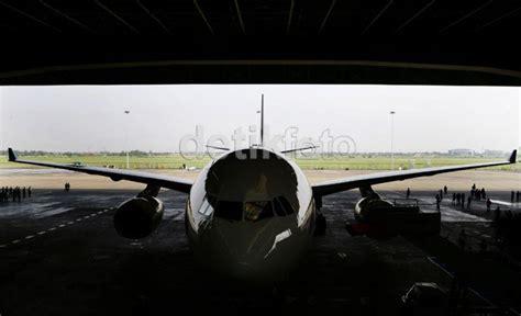 Pelumas Pesawat Pelumas Pesawat Masih Impor Ini Kata Pertamina