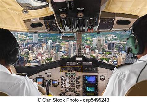 cabina di pilotaggio aereo archivi fotografici di cabina pilotaggio citt 224 aereo