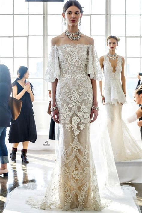 D Aisle Wedding Gowns by 251 Best Lace Wedding Gowns Images On Wedding