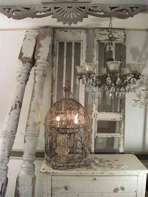 shabby schlafzimmer 17 best ideas about shabby chic chandelier on