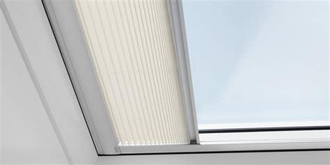 tende plissettate finestre per tetti piani elettriche velux con telecomando