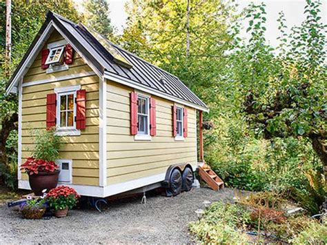 Small House Decorating Blogs by Small Home Decorating Ideas Tumbleweed Tiny House