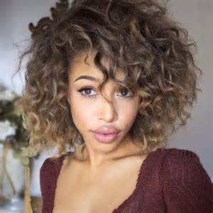 cuely hairstyles 25 best ideas about brown curly hair on pinterest ombre