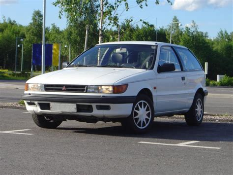 mitsubishi mirage 1990 1990 mitsubishi mirage information and photos zombiedrive