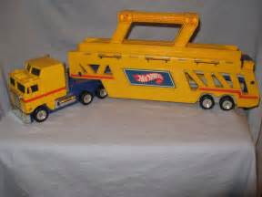 Wheels Truck With Cer Mattel Wheels 1986 Semi Truck Car Carrier Hauler Ebay