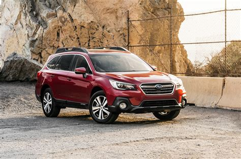 Compare Subaru Forester And Outback by Car Compare 2018 Subaru Forester And 2018 Subaru Outback