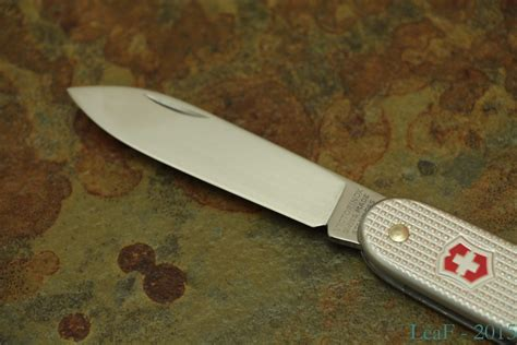 Swiss Army 005 by 018 005 Leaf S Victorinox Knives Collection