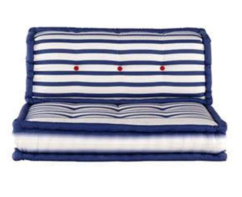amici di letto senza limiti divani colorati