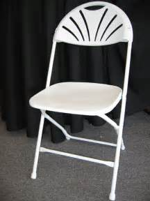 renting tables and chairs for wedding