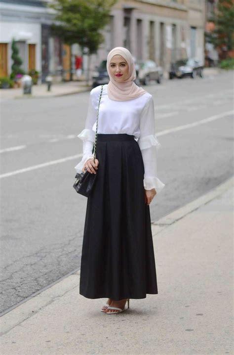 Sepatu Casual Lucu Keren Modis Gaya Simpel Flat Kickers Coklat Muda cek 7 inspirasi model baju kerja wanita muslimah ini biar kamu enggak mati gaya di kantor ide