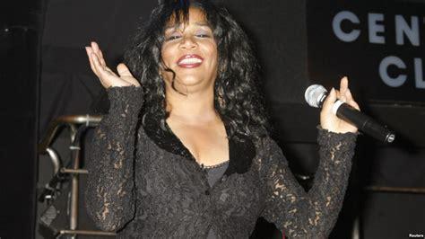 joni sledge american singer joni sledge dies at the age of 60