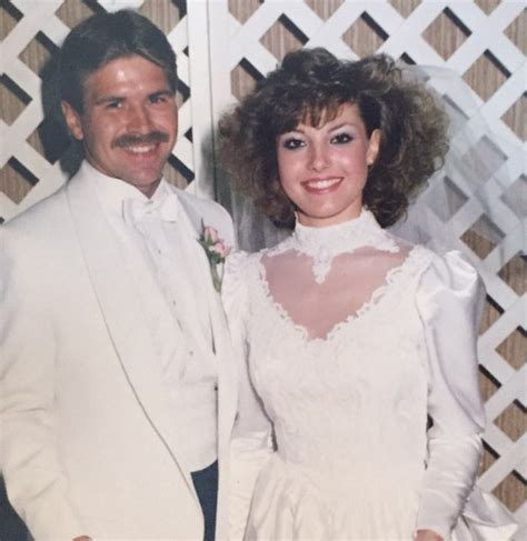 This Bride Wore Her Mom's Wedding Dress from the '80s