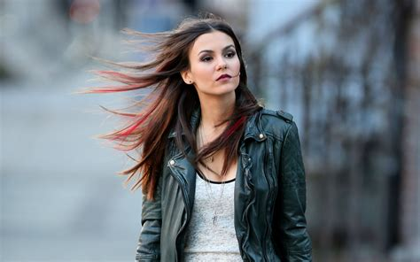 stylish victoria justice hollywood celeb hd wallpapers rocks