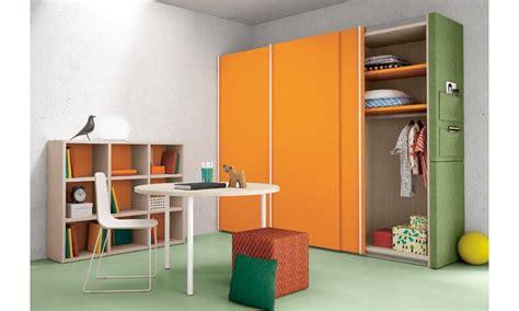 armadi colorati per camerette armadi colorati per le nuove camerette nidi