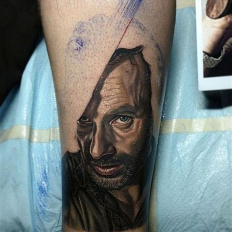 the walking dead tattoo it s scary how these walking dead tattoos are barnorama