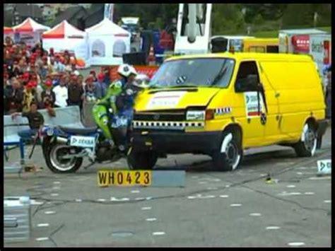 Motorrad Crashtest Videos by Motorrad Crash Test Beim Adac Doovi