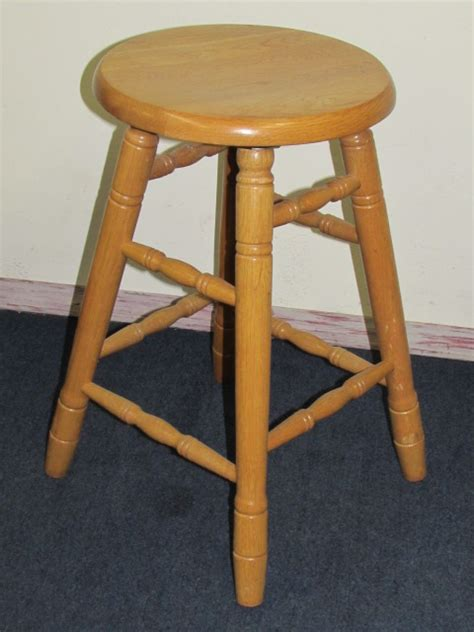 lot detail well made solid oak swivel bar stool with