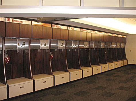 alabama crimson tide locker room alabama s football facility sports timesdaily