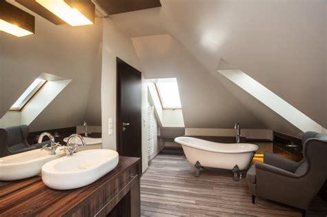 attic bathroom ideas  designs