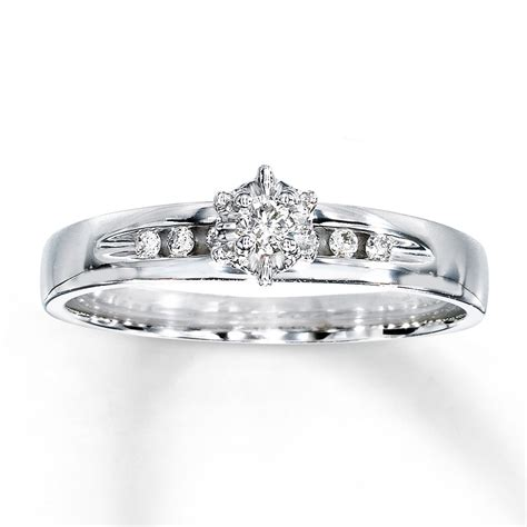 simple circle engagement rings