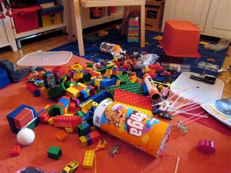 kinderzimmer immer chaos kindergeschichten warum kinderzimmer immer so