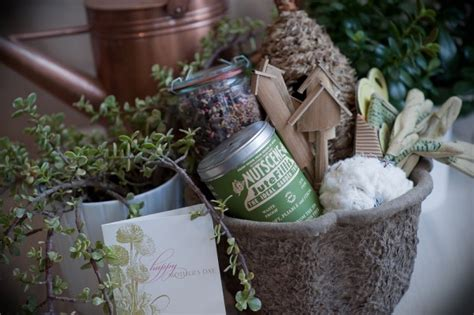 Gardening Gift Basket Ideas by Diy S Day Gift Ideas Elizabeth Designs The