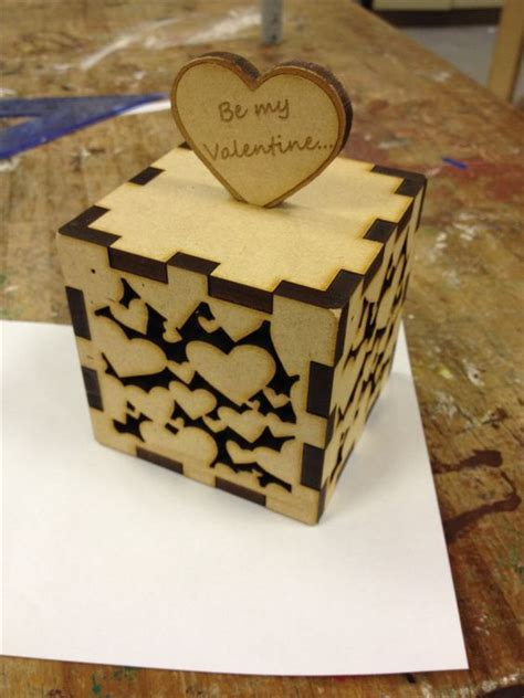 My little laser cut valentine's box   madera   Pinterest