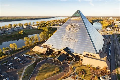 Where Can I Get A Bass Pro Shop Gift Card - bass pro shops draws 2 million visitors since april opening memphis daily news