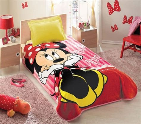 mickey and minnie mouse bedroom disney minnie mouse bedding set i wish i could have had