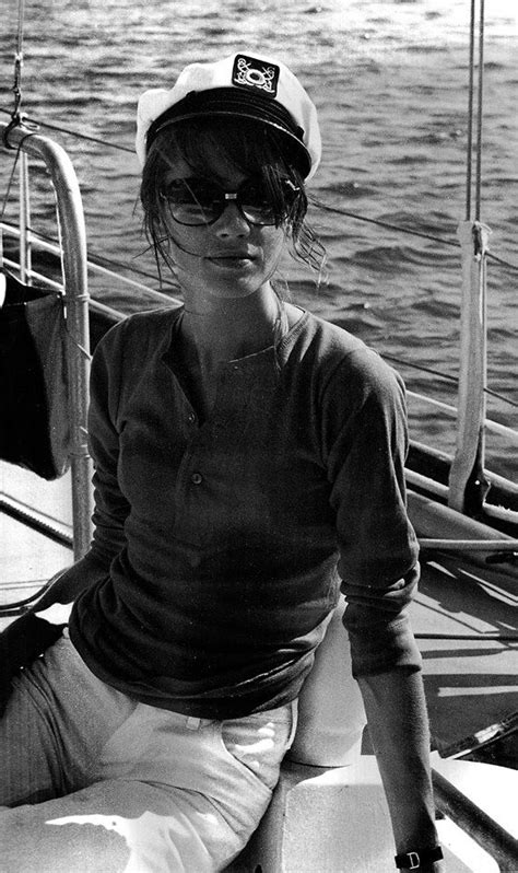 Vintage Style Inspiration Springsummer 2007 Francoise Hardy by Fran 231 Oise Hardy Parisian Chic Swag And Sea