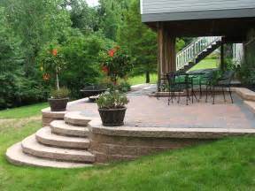 Paver Patio With Retaining Wall Patio Deck On Raised Patio Concrete Patios And Patio