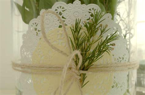 para bautizo compuesta por cuatro centros de flores de papel para c 243 mo decorar un jarron provenzal manualidades con blondas