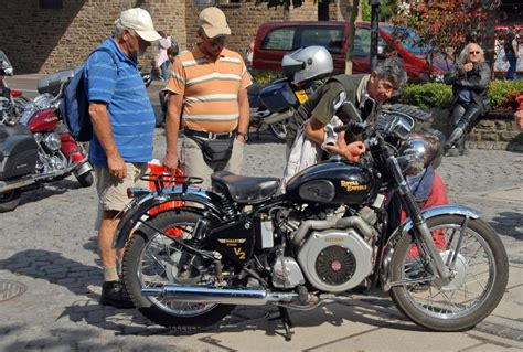 Indian Diesel Motorrad by Enfield Diesel