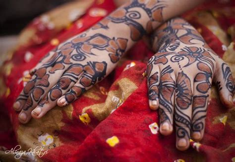 Mehndi Designs Outlines by Arabic Mehndi Designs With Black Border Outline 2018