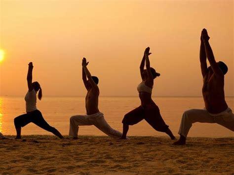 imagenes yoga india 5 days fresh beach yoga retreat in goa india
